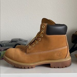 Used Timberland Boots - 9.5